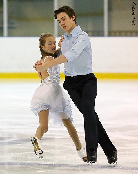 http://photos.ice-dance.com/cache/2012-13/13CdnNat/Nov/DPractSu/13CdnNat-NovPract13-0442-CMP-MH_600.jpg