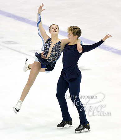 http://photos.ice-dance.com/cache/2017-18/17LPIDI/Jr/FDBG/17LPIDI-JrFD%20-3057-BG_600.jpg