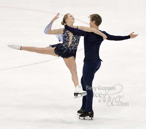 http://photos.ice-dance.com/cache/2017-18/17LPIDI/Jr/FDBG/17LPIDI-JrFD%20-3065-BG_600.jpg