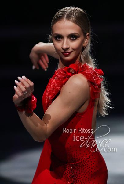 https://photos.ice-dance.com/cache/2018-19/19WC/Exhib/19WC-Ex-2419_600.jpg