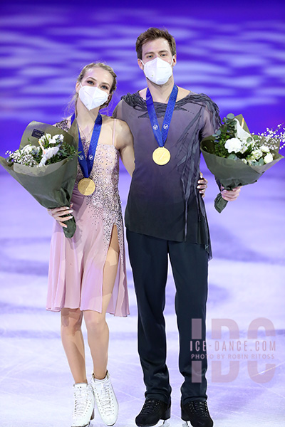 https://photos.ice-dance.com/cache/2020-21/21WC/Awards/21WC-Awards-3801-RR_600.jpg?cached=1618024567